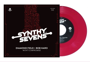 Synthy Sevens Cover DF Sleeve 4